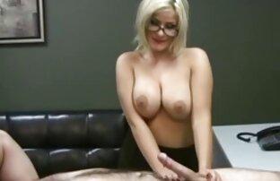 Babes bokep mom boy - Katie Oliver strip untuk kamera