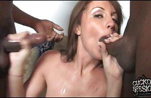 Sebuah bintang porno pirang son bokep mom membenturkan vaginanya